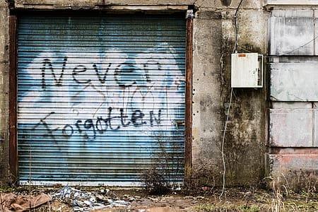 graffiti-garage-garage-door-building-thumb